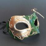 Maske 2013, Aquarell, Blattgold Pappmaché, Libelle