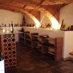 ein Gläschen in Ehren - im hauseigenen Weinkeller