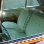 Kustom interior for Klaus Hald´s Buick - white and glitter vinyl with satin Vinyl and Swarovski crystals. Innenausstattung für Buick electra