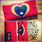 Glitter wallet with heart