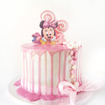 Minnie Mouse dripcake, Taart Den Bosch