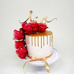 Change the date Cake, Golden Drip and Roses, WeddingCake Den Bosch
