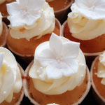 MIni Lemon CupCake with RoseGold Accent, Lilian en Kevin, WeddingCake Den Bosch, Bruidstaart Den Bosch