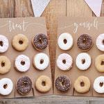 Donutwall small, taartstandaard verhuur Den Bosch
