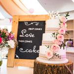 Ilse en Stefan, Wedddingcake with real Roses, Bruidstaart Den Bosch