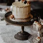 SemiNaked Cake with drip and RoseGold Accent, Lilian en Kevin, WeddingCake Den Bosch, Bruidstaart Den Bosch