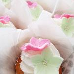 WeddingCupCake with flowers, Sabine en Jan, WeddingCake Den Bosch, Bruidstaart Den Bosch