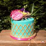 Tiffany Blue en Gold Wedding Cake and CupCakes, Cristina, bruidstaart 's-Hertogenbosch, bruidstaart den bosch