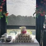 Pink WeddingCake with softgreen flowers, Sabine en Jan, WeddingCake Den Bosch, Bruidstaart Den Bosch