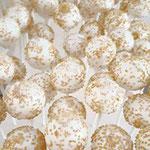Cakepops, White with gold sprinkles, Cakepops Den Bosch