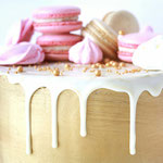 details DripCake met Macarons, Golden edition, taart Den Bosch