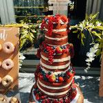 Red Velvet Naked Cake, Patrick en Sandra,locatie Klooster Bethlehem, Bruidstaart 's-Hertogenbosch