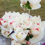 Veldbloemen CupCakes ,Bruidstaart Katrien en Ben, bruidstaart 's-Hertogenbosch, bruidstaart den bosch