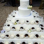 CupCakes en White WeddingCake,Naked Wedding Cake, bRamon en Floor, Bruidstaart 's-Hertogenbosch, bruidstaart den bosch