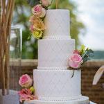 Elegant WeddingCake, Sabrina en Dennis, WeddingCake Den Bosch, Bruidstaart Den Bosch foto:Iriswuijster fotografie
