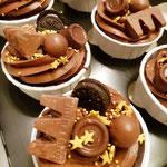 Chocolate Drip CupCake Christmas, Christmas CupCakes, CupCakes Den Bosch