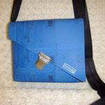 Fairbag Taschen aus der Druckmatritze, Kautschuk / Baumwolle, Trageriemen aus Sicherheitsgurten, Taschen geschraubt...100 % upsycling