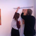 Britta und Marvin beim Aufbau