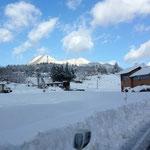 あと少しでどんぐり村、龍頭山も雪化粧