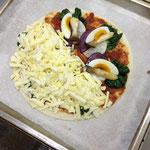 ②ターサイ、大根、紫芋、エリンギ、卵