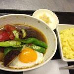 本日のスープカレー(ズッキーニ・おくら・なす・ししとう・トマト・みょうが他)