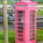 cabine téléphonique rose...