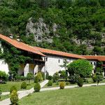 Monastère de Morača, bâtiments d'accueil des voyageurs