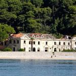 De même pour cet hôtel pourtant idéalement situé en bord de mer et jamais reconstruit