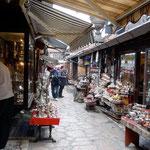 Sarajevo: quartier de Baščaršija, rue des chaudronniers