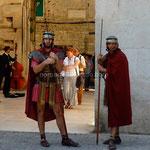 Split: des figurants romains gardent les portes