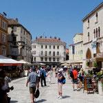 Split: place Narodni et ancien hôtel de ville