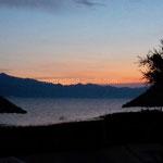 La nuit tombe sur le lac Shkodra