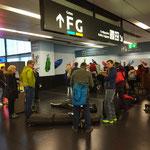 Beim Check-In des Großgepäcks in Wien/Schwechat