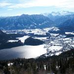 Tiefblick von der Loserhütte runter auf den Altauseersee und rüber zum Dachsteinmassiv.