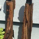 Wächter 3 + 4 - Ton gebrannt mit Bronze-Patina auf geöltem Holz,  - Höhe ca. 100 cm (2020)