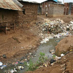 Kibera, il fiume.