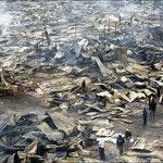 Ciò che resta dopo un incendio in Kibera.
