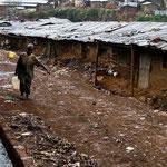 Uno scorcio di vita a Kibera.