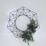 Himmeli No. 7 / wreath black, als weihnachtliche Wanddekoration, © my himmeli