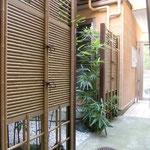 中庭・竹垣