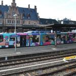 Ankunft des bunten Triebzuges am Gerolsteiner Bahnhof