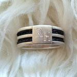 [No. 3] Ring in Silber mit Gravur. Preis ca. 150€