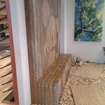 "Rustikal trifft modern – Wandgestaltung trifft Sitzgelegenheit   Kollektion: ""PF&HM""  ""2012"" Werksbeschreibung unten"
