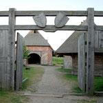Der Eingang ins Dorf.