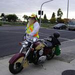 Les bikers ne terrorisent pas la population, ils aident les enfants à traverser