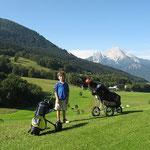 Golfplatz am Obersalzberg, im Hintergrund der Watzmann