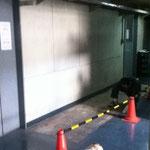 Before. ボロボロの床表面をすべてはがしたところ。