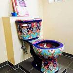 Bunte Toilette