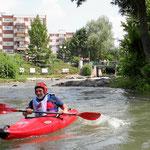 Parc des Eaux Vives. Wildwasserpark mit Kanu und Kajak.