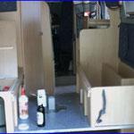 Und los geht der Umbau von der Sitzgruppe zum Festbett